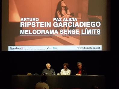 Arturo Ripstein i Paz Alicia Garciadiego, acompanyats d'Esteve Riambau, director de la Filmoteca, a la presnetació del cicle que els dediquem.